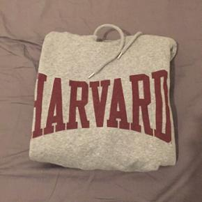 Harvard hoodie fra h&m. Str M. Aldrig brugt