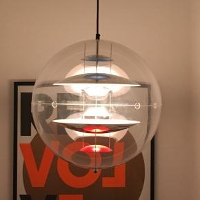 Den store Verner Panton Globe. Lille ridse man kun ser helt tæt på.