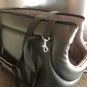 Spritny Kate Winther Hunde transport taske i kunstigt skind str: 45 cm- Aldrig brugt som det iøvrigt kan ses på billederne