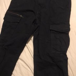 Sælger lidt ud fra skabet  Jack & Jones jeans W34L32 aldrig brugt, dog ingen tags nypris 500 kr, min pris 350