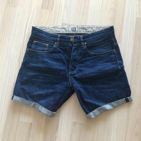 Denim Shorts til mænd  Str. 31.  Fremstår stadig i god stand.   Mærke RVLT