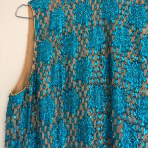 Smukt Ganni sæt  Glimmer - perfekt party outfit eller kan deles og bruges hver for sig  Brugt to gange  Sælger kun ved rette pris