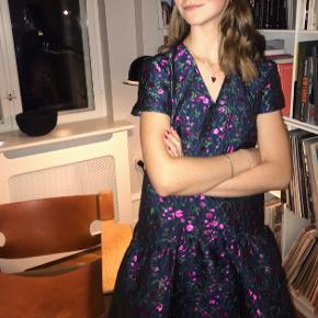 Résumé jacquard kjole, som er udgået - skriv gerne for flere billeder:))