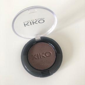 Brugt en gang. Øjenskygge fra Kiko.  📦kan sendes mod betaling (sender med DAO eller Post Nord) 💰betaling kontant eller MobilePay