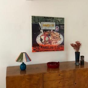 One-of-a-kind håndlavet bordlampeskærm med keramikfod. Bemærk at denne unikke lampe er solgt, men en lampe lignende denne kan købes på bestilling, eller hvis du selv har en lampefod, du er glad for, kan selve lampeskærmen købes seperat for 800kr.   Jeg laver også loftslamper (se mine andre annoncer) 💫