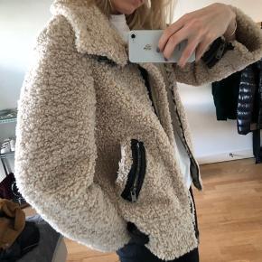 Fed jakke fra zara. BYD :)