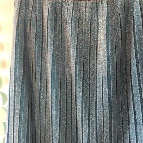 💙 Blå glimmer nederdel fra YAS 💙  Str L  🌸 Se mine andre annoncer og få mængderabat 🌸