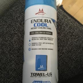 Endura cool håndklæde til svømning. Helt nyt