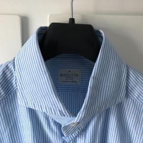 Bagutta skjorte. Italiensk topkvalitet