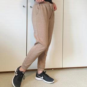 Lækre jogging-bukser i str. M🌼