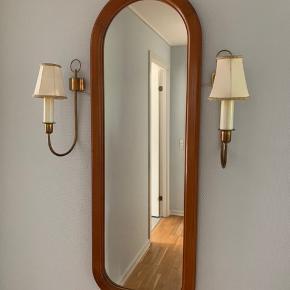 Spejl inkl lamper 350 kr. Kan afhentes i Gilleleje