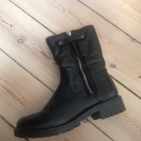 Foret vinterstøvler brugt Max 5 gange 🌸 Nypris kr. 1099. BYD gerne 🌪