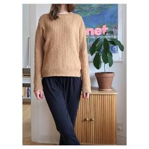Cool uld sweater fra GANT 45% bomuld 20% alpaca uld 15% polyamid Fitter xs (mig på billederne) small og meditn