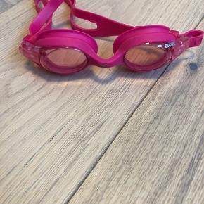 Arena junior svømmebriller