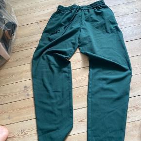 Fede grønne bukser i 100% polyester