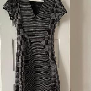 Comptoir des Cotonniers kjole