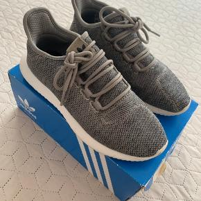 Adidas grå tubular shadow sneakers i str 38 2/3