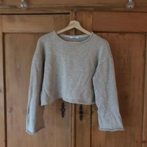 Beige sweater crop top fra Zara, passer størrelse 36/38, S/M