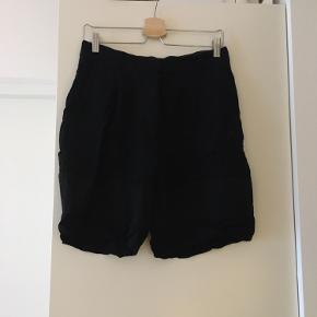 & Other Stories shorts
