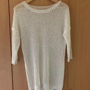 Smuk Only bluse i størrelse medium. Super smuk glimmer effekt