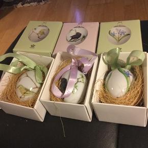 Royal æg 6 cm æg  ..inoriginalæske med rede og bånd  3stk æg sælges  samlet 445 kr  2018 STÆR  2018 SKILLA  2018 GULBUG  Udgåede æg fra  2018  Sender + Porto  #30daysselout