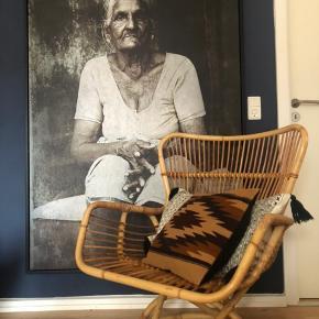 Sælger 2. Stk bambus lounge stole Pr.stk 600kr Samlet pris 1000kr (Originale sidde hynder medfølger gratis)  Afhentes i Silkeborg    Begge stole fremstår med lettere patina