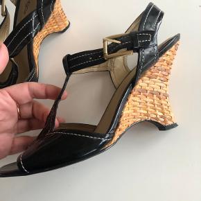Etienne Aigner sandaler