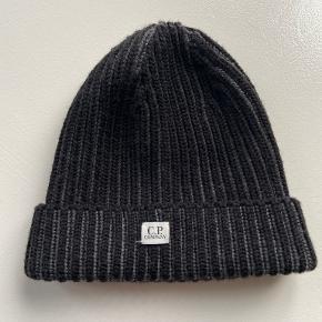 C.P. Company Hue & hat