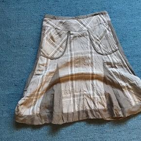 Lækker nederdel fra Steilmann.