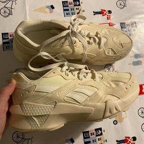 Reebok sneakers i str 39 sælges ❤️