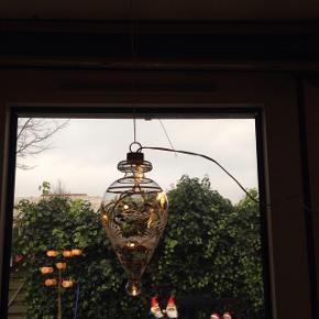 Glasdråbe med LED lys, ca 20cm H. Ny. En taget op til billede.  100kr stk.  Alle tre 200kr.