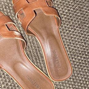 Smukke sandaler  Sælges da jeg har fået nye :)