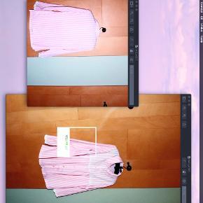 - BENYT 'KØB NU' FUNKTIONEN, VED KØB -  Så fin lyserød- og hvidstribet skjorte fra Swedish Design. Skjorten har en dekorativ flæsekant ved brystet og nederst på ærmerne, gennemgående knappelukning foran og rund skjortekrave.   ○ Mærke: Swedish Design ○ Størrelse: 40 - Ærmelængde: 57 cm - Skulderbredde: 40 cm - Brystmål: 50 cm - Taljemål: 51 cm - Længde: 72 cm ○ Fit: Normal til løs ○ Stand: Brugt og skånvasket nogle gange  ○ Fejl/Mangler: Ikke umiddelbart ○ Materiale: Ukendt, intet indre mærke - føltes dog som bomuld