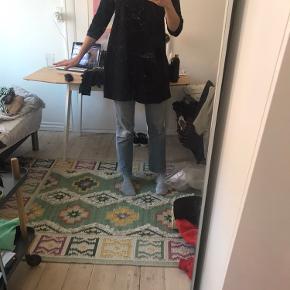 Super kjole - både med bukser og strømpebukser.