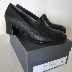 Nordic Shoepeople heels
