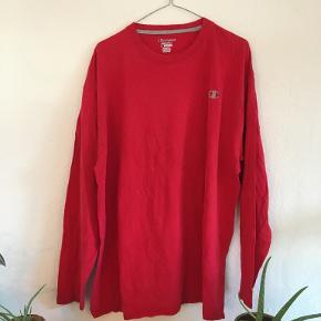 En lækker langærmet Champion Authentic trøje Se min shop for mere vintage tøj😍