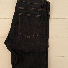 The Kooples jeans, raw. Str. 33, slim fit. Helt nye, aldrig brugt.