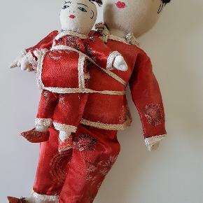 🔴 VINTAGE CHINESE gamle kinesiske dukker. Mor med barn. Håndlavede, syet og broderet i hånden.  Virkelig flot stand! Smukt håndarbejde. Minimalt med patina