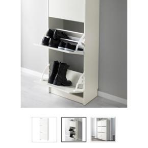 IKEA, BISSA skoskab med 3 låger.  Brugt i 2 år, men i god og pæn stand.  Bredde: 49 cm Dybde: 28 cm Højde: 135 cm