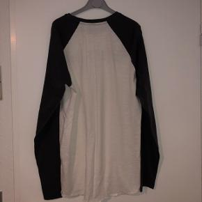 Jack & Jones trøje, størrelse XL, men passer en størrelse L