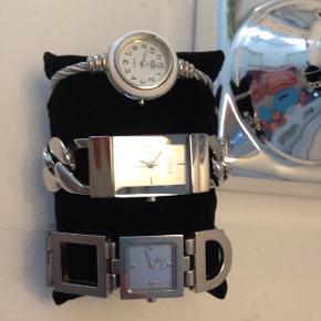 Sælger mine gamle ure. Fejler intet udover de skal ha ny batteri. Uret i midten er solgt.