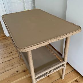 Andet bord