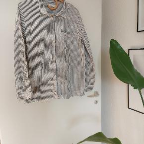 ADPT. skjorte