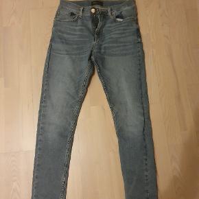 Zara jeans til mænd størrelse 38 / W30 Top stand, brugt få gange Høj kvalitet mange pæne detaljer