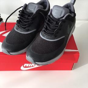 Nike Air Max Thea, sort/grå, str. 39