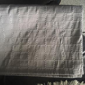Brugt en gang nyvasket  pæn stand. 157x225