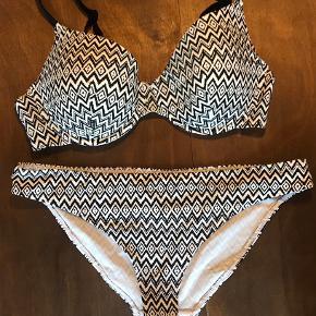 Femilet badetøj & beachwear