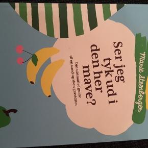 """marie steenbergers """"Ser jeg tyk ud i den her mave"""" er en virkelig god graviditets og amme bog. Vejleder og guider i indtag af mad, for at booste dit barns sundhed og din amning.  Rigtig lækker bog!  Fra røgfrit hjem- naturligvis!"""