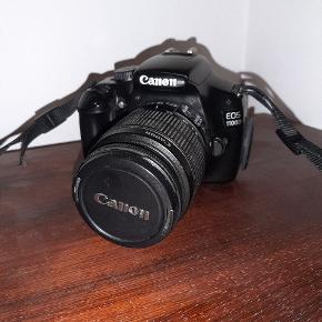 Sælger mit elskede Canon kamera, da jeg har fået en nyere model. Nummeret på modellen kan ses på billedet. Linsen er blevet lidt rusten, når man drejer på den. Enten skal den bare smøres eller så skal linsen skiftes. Dog fungerer det stadig super fint, og kan sagtens tage billeder. Købt i sin tid til 5.000,-kr   🙂