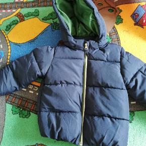Fin vinter jakke i str 92, aldrig været brugt, kom med et bud
